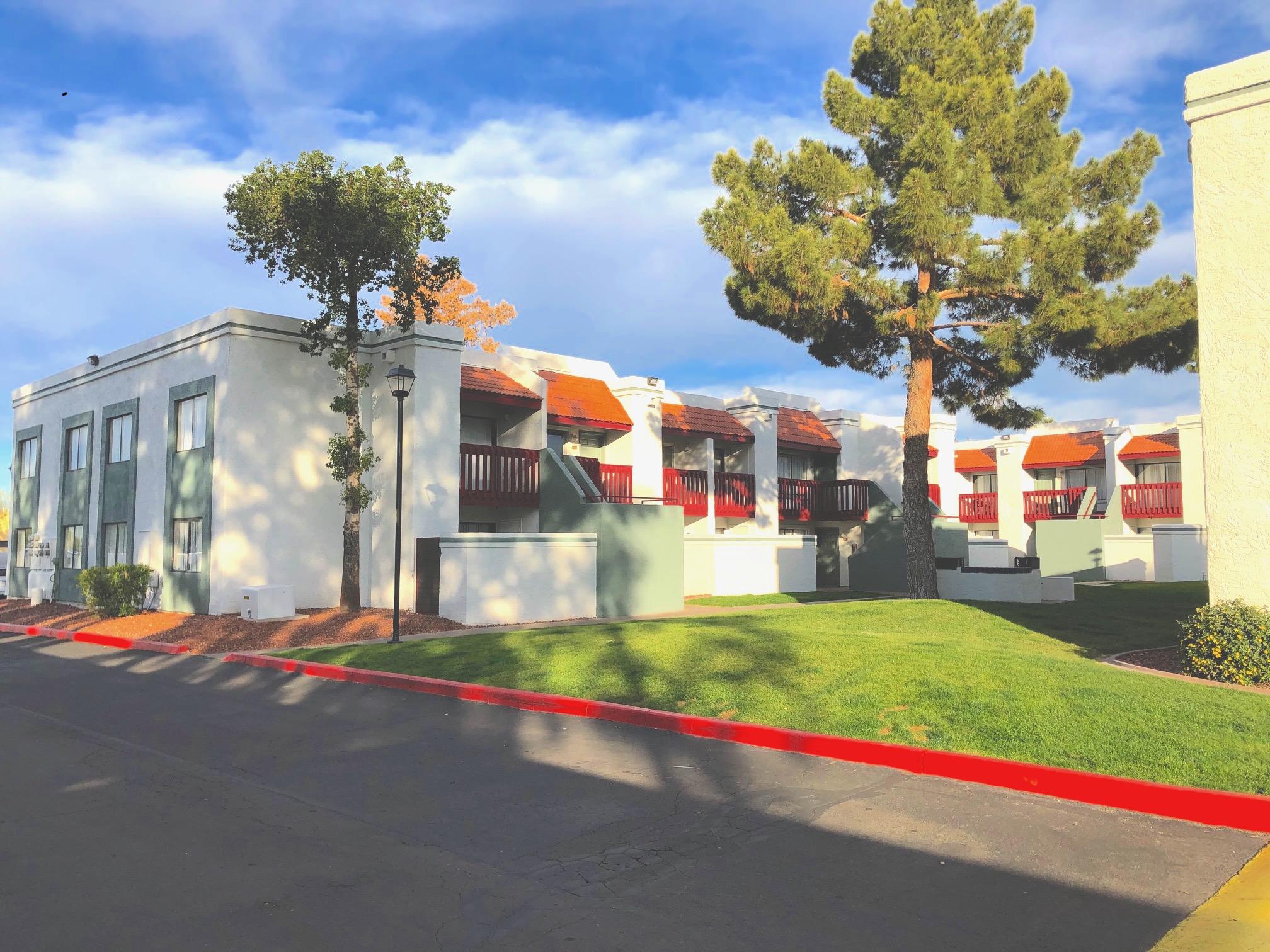 Las Colinas Apartments in Phoenix, AZ.
